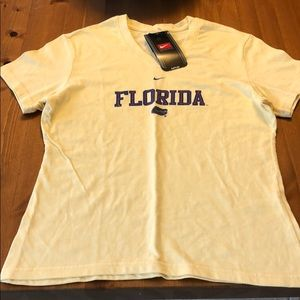 Florida Gator tee. 23 inches long, 17 inches wide